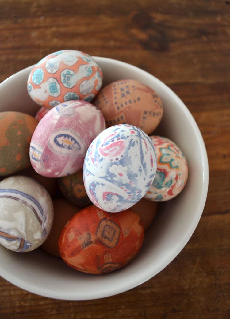 Silk Tie Eggs // Art Bar