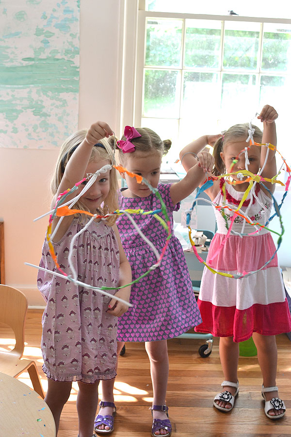 kids make sculptures from wire in the style of American artist and sculptor Alexander Calder