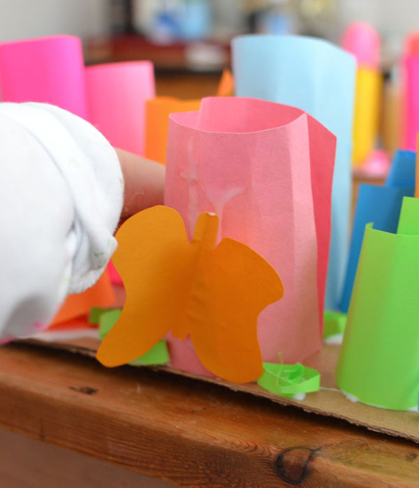 kids make rolled paper sculptures