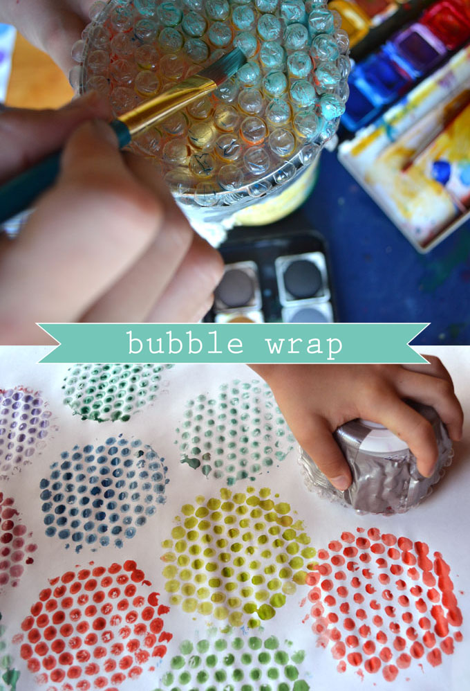 make homemade wrapping paper with bubble wrap printing