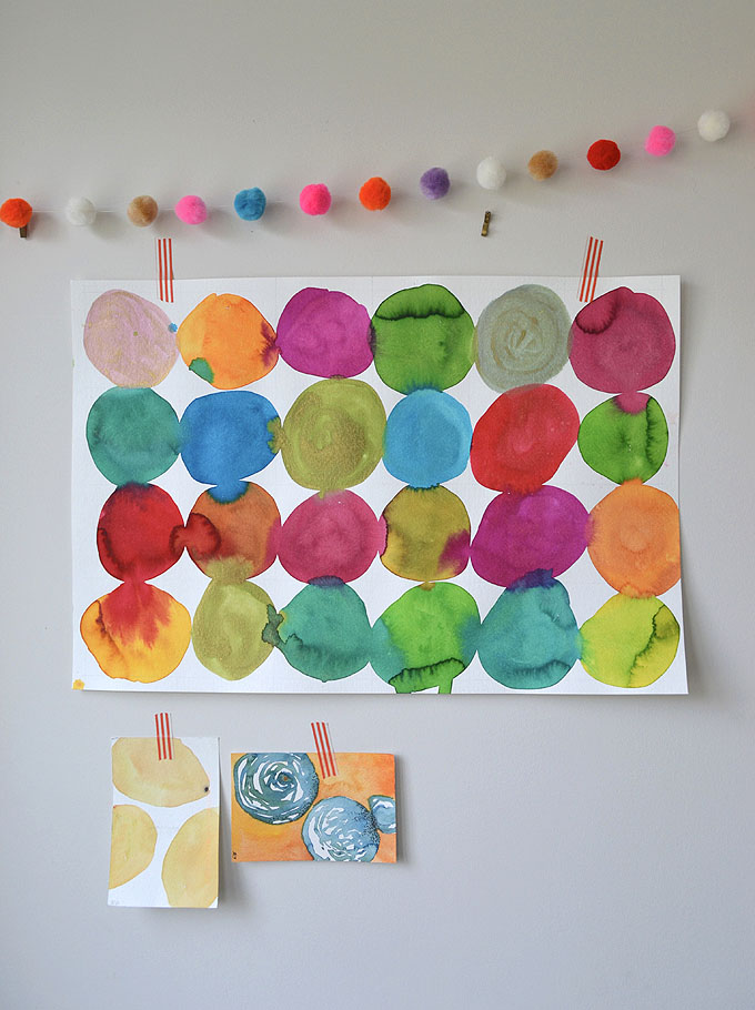 Kandinsky inspired circle painting art prompt for kids.