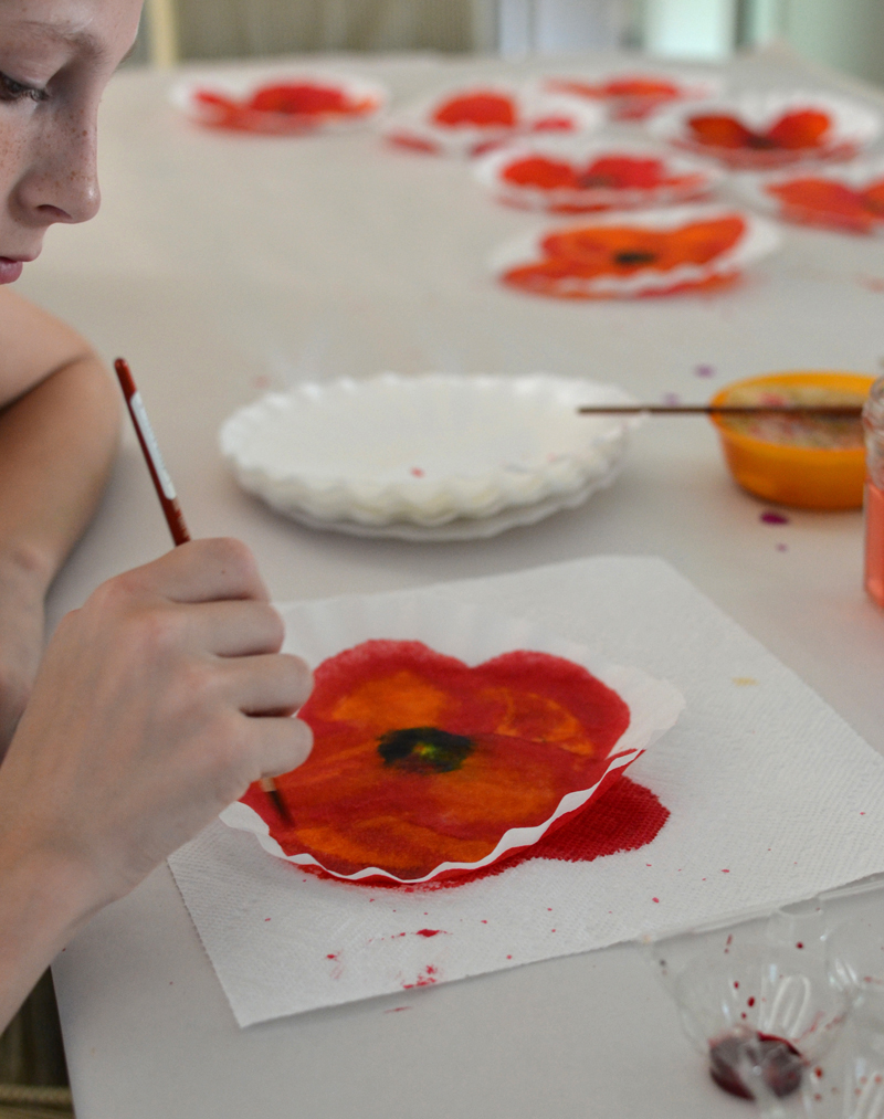 make poppy art from coffee filters