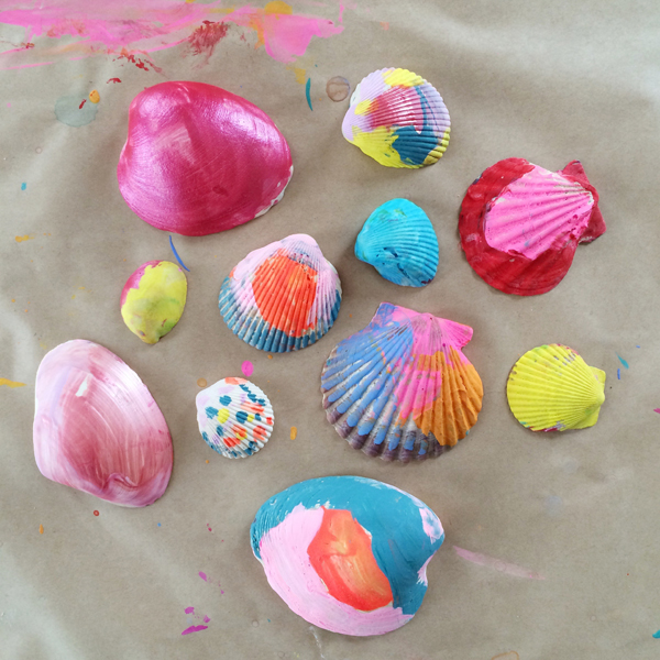 painting seashells in art class
