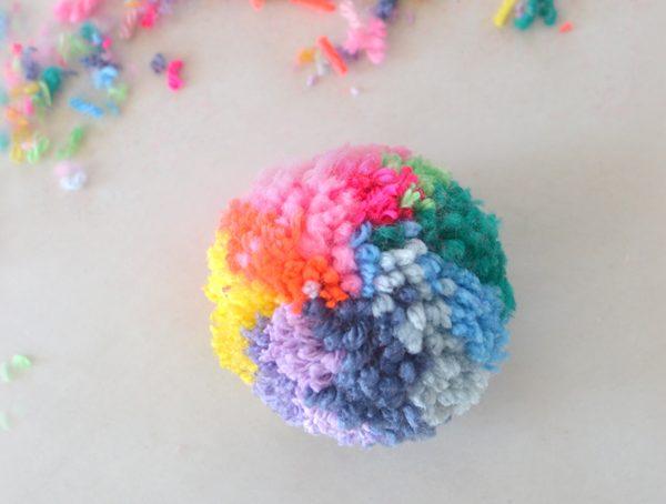 DIY Rainbow Pom-pom