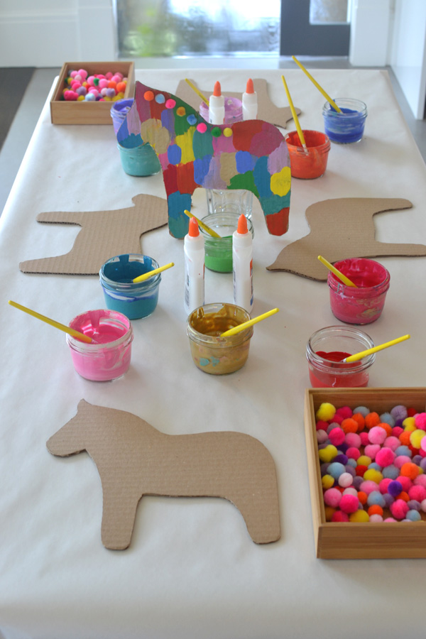 Dala horse party craft artbar for Crafts for 10 year old birthday party