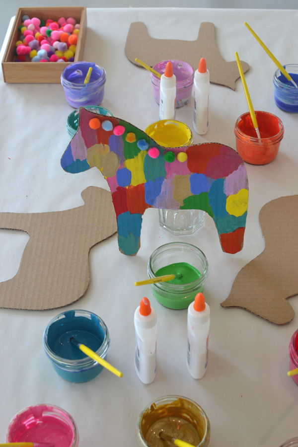 Dala horse party craft artbar for Horse crafts for kids