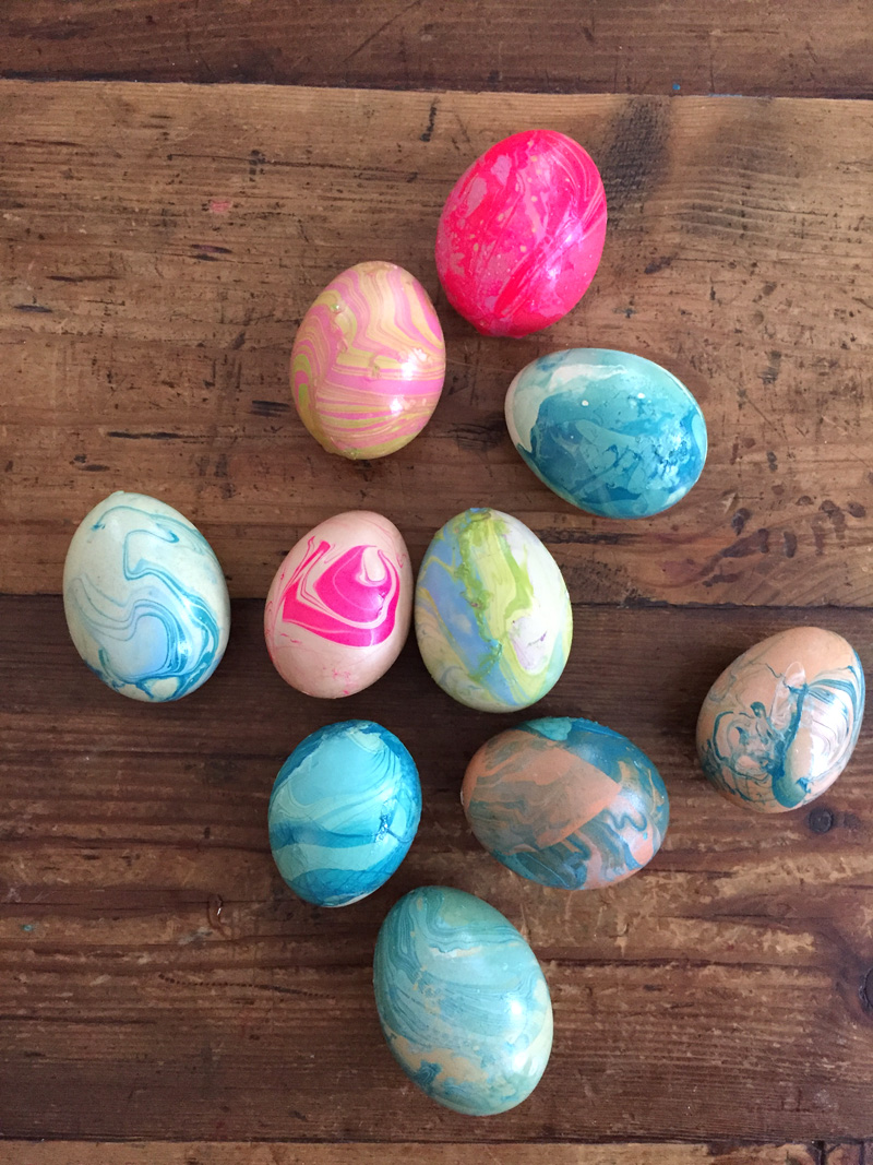 Eggs you can keep forever // Learn how to hollow out an egg, then marbleize with nail polish.