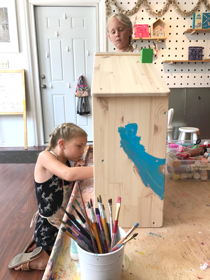 Dollhouse camp for kids! In this first part, the kids paint IKEA wooden dollhouses and make floor plans. Coming up in Part 2: handmade wallpaper and furniture!