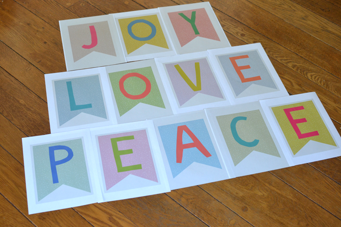 Free printable banners for the holidays / JOY / LOVE / PEACE