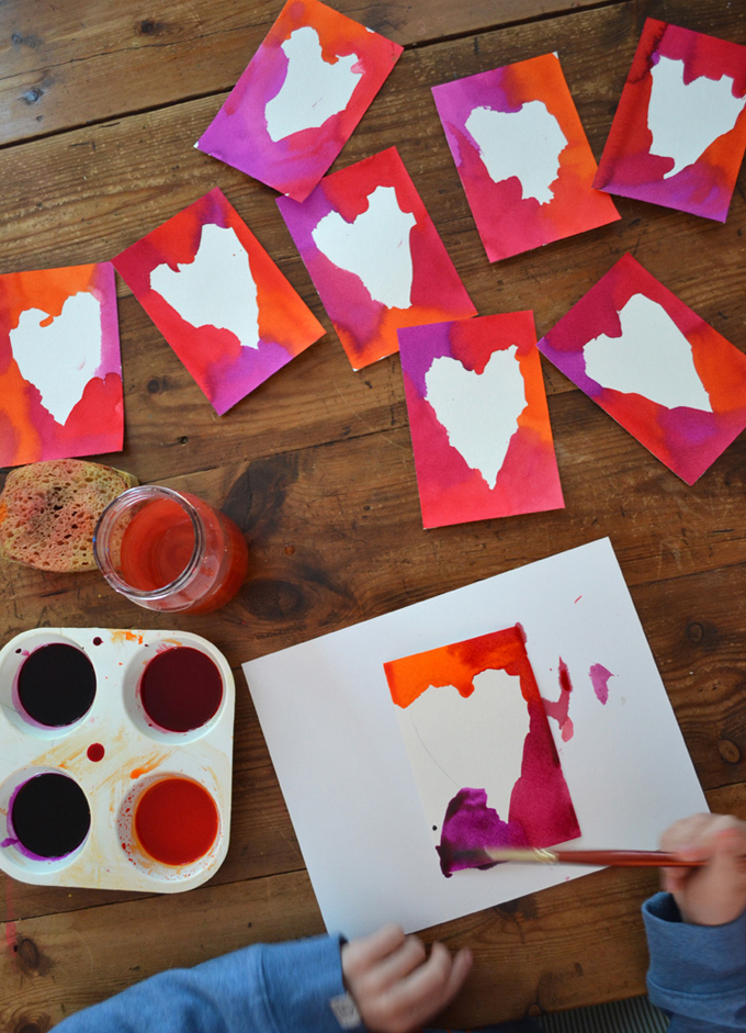Make postcards with liquid watercolor for Valentine's Day.