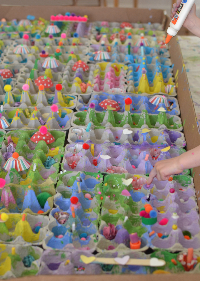 Glue egg cartons into a giant box and let the kids explore with color and texture, building whatever they want! This open-ended, process art idea is great for kids ages 3-8.