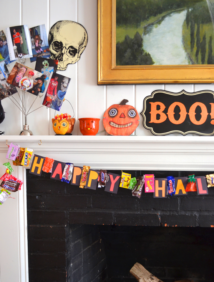 Make your own candy wrapper garland for a fun and sweet Halloween decoration.