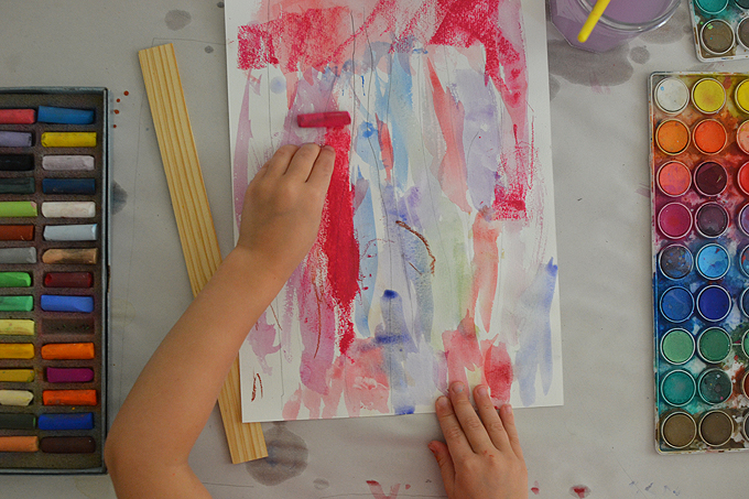 Kids study Swiss artist Paul Klee and create paintings with watercolors and pastels.