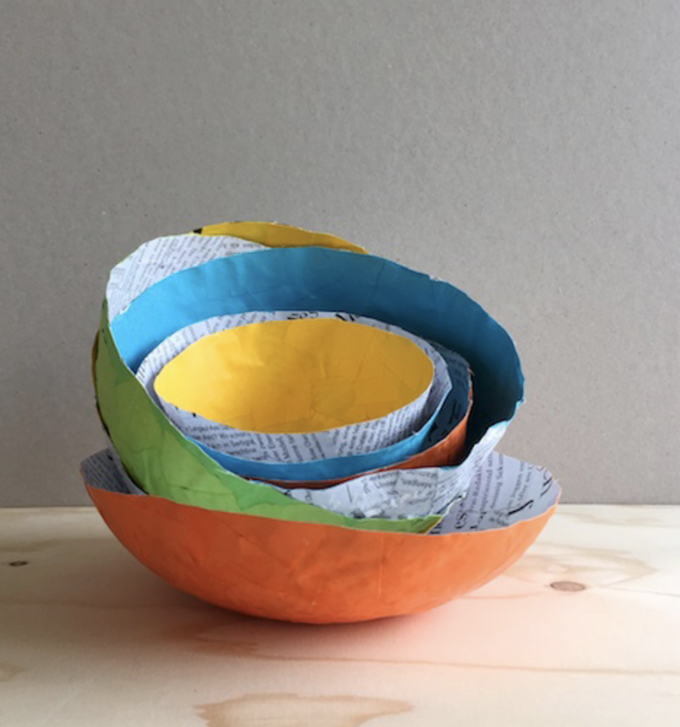 Colorful, easy paper mache bowls tutorial.