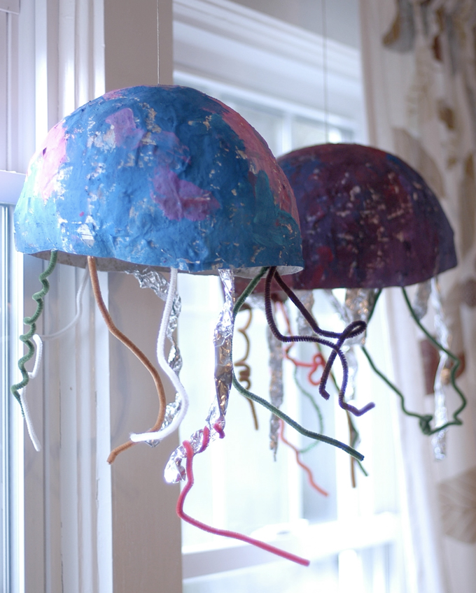 Paper mache jellyfish art project for kids.