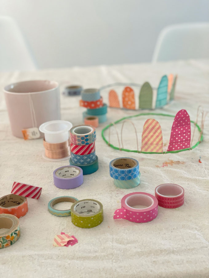 Make delicate and charming crowns using craft wire and colorful washi tape.